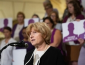 October 1, 2018 – Senator Judy Schwank  joins the PA Coalition Against Domestic Violence to honor those who lost their lives to domestic violence in 2017.